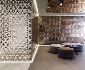 espaco-revestir-ambiente-sala-porcelanosa-artis-bronze